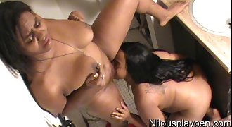 Lesbian Love # GX4 : Nilou Achtland & Eve