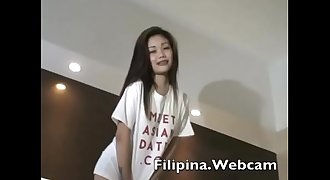 Filipina.webcam amateur teen gets naked in Manila hotel to masterbate
