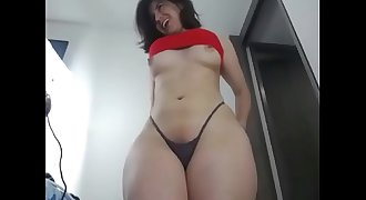 Phat butt and big hip girl free webcam show