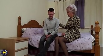 British mature fuckslut lady sextasy doing her toyboy